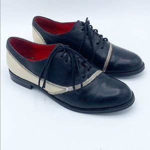 Vintage Charles Jourdan LaceUp Oxford Zipper Shoe